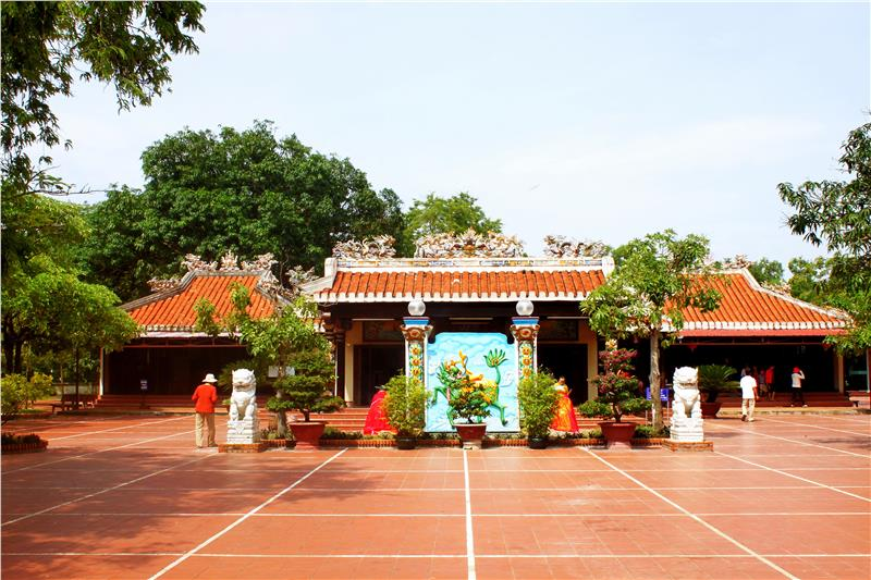 Inside Dinh Thay Thim in Binh Thuan