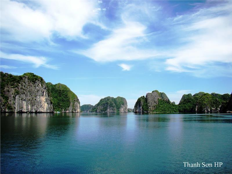 Lan Ha Bay - a famous toursit attraction in Haiphong