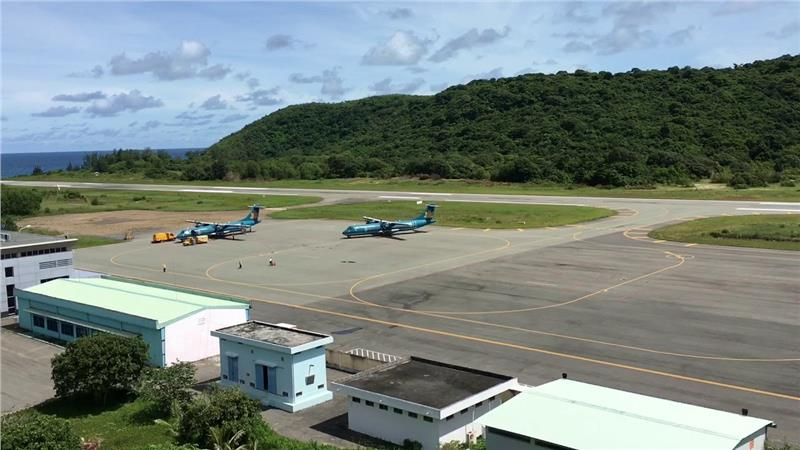 Vietnam Airlines at Con Dao Airport