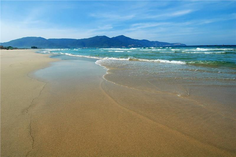 Magnificent beauty of Bac My An Beach
