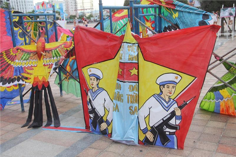 Colorful and meaningful kites in the festival