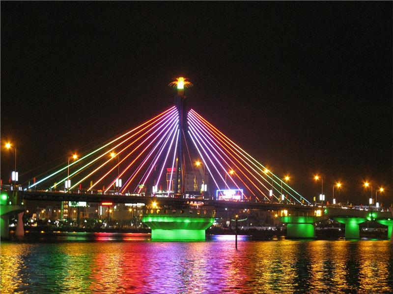 Da Nang Bridge at night