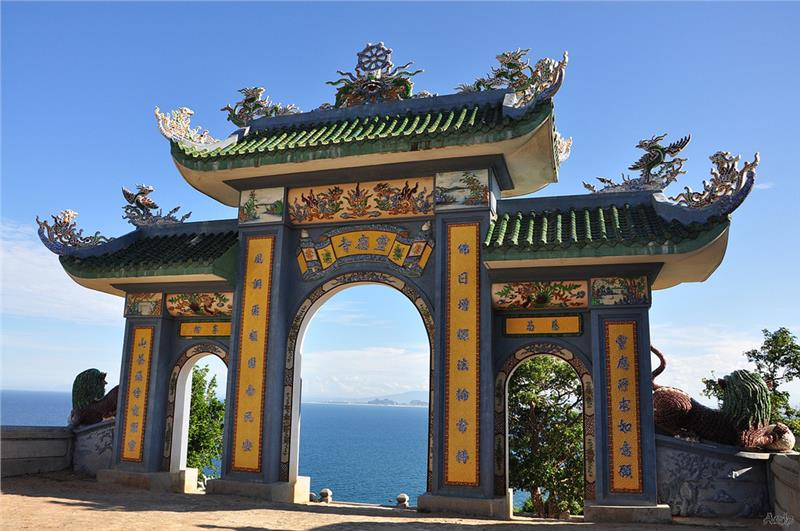 Top 5 Vietnam spiritual works at the highest altitudes