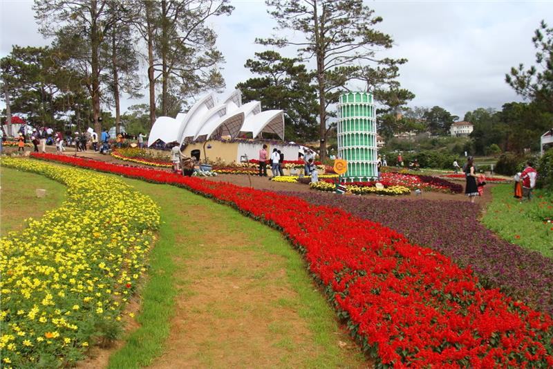 Decoration for Dalat Flower Festival 2014