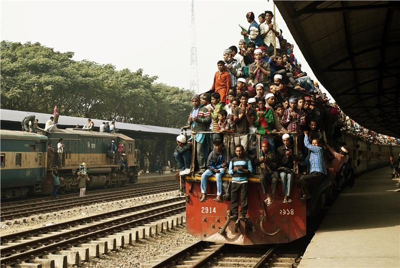 Traveling by train in Bangladesh