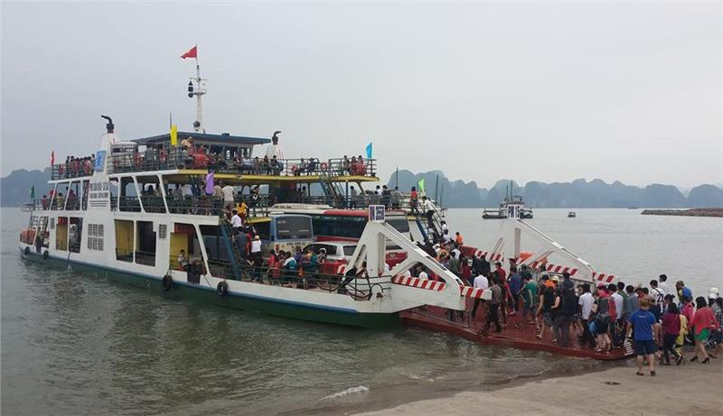 Tuan Chau ferry from Halong to Cat Ba