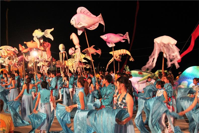 Colors in Halong Carnival 2013