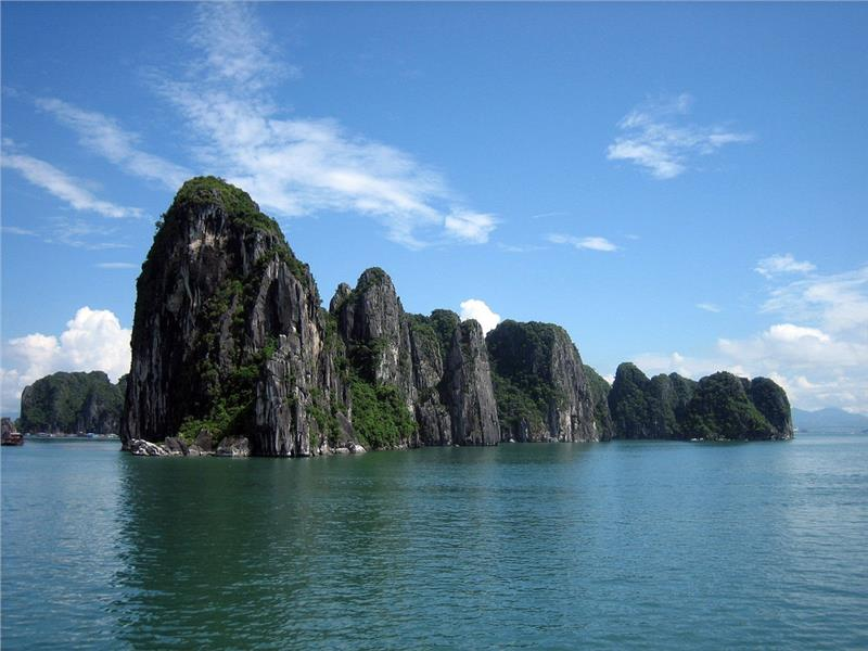 A scenery in Halong Bay