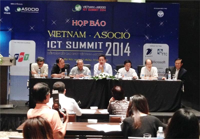 Press conference of Vietnam - ASOCIO 2014