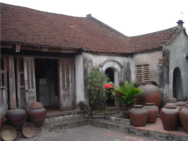 Preserve traditional ancient houses in Hanoi