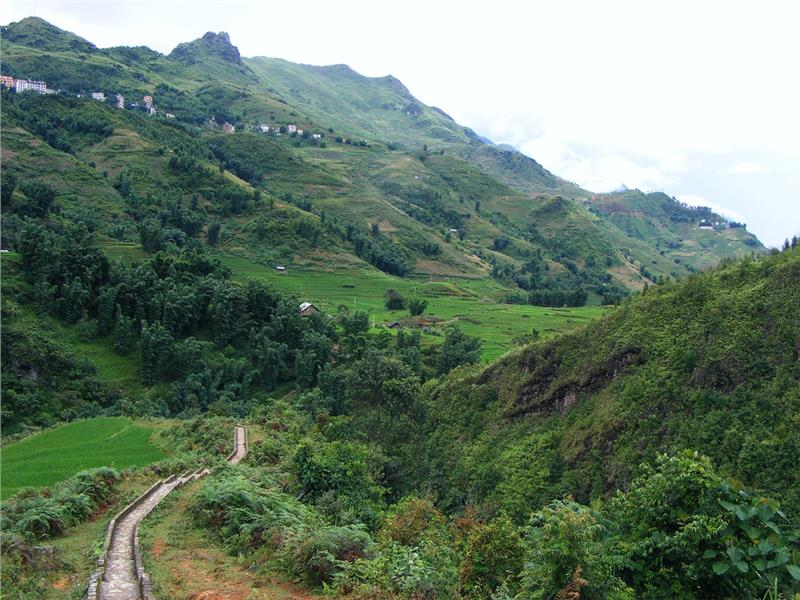 Path to Cat Cat Village, Sapa