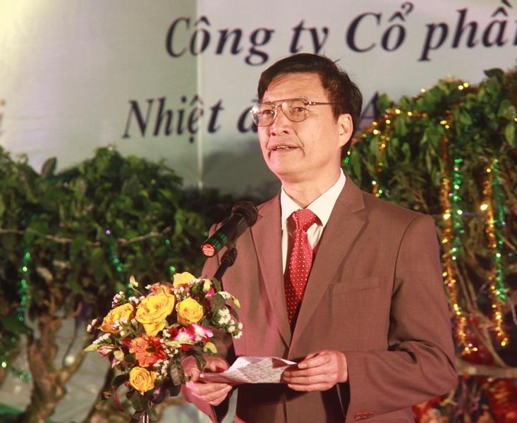Mr. Dang Viet Thuan is speaking at the opening ceremony