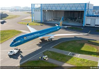 First Vietnam Airlines A350 XWB rolls out