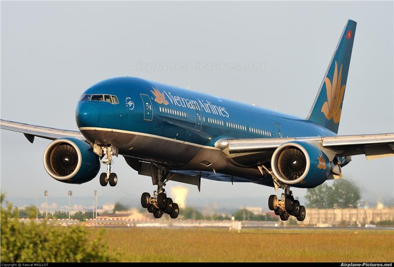 Vietnam Airlines VN-A144 aircraft at Paris