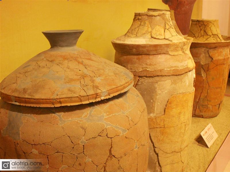 Pottery burial jar - a specialty of Sa Huynh Culture