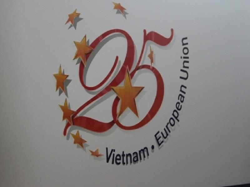 Logo of the 25th anniversary of Vietnam EU relation