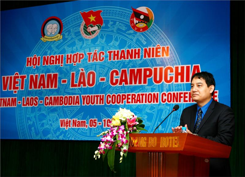 Mr. Nguyen Dac Vinh speaks in the opening ceremony