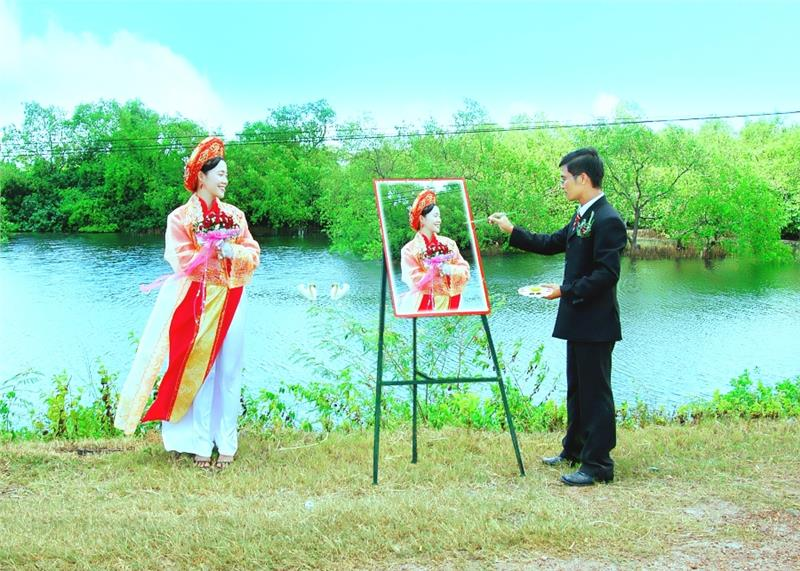 Traditional costumes of Kinh people