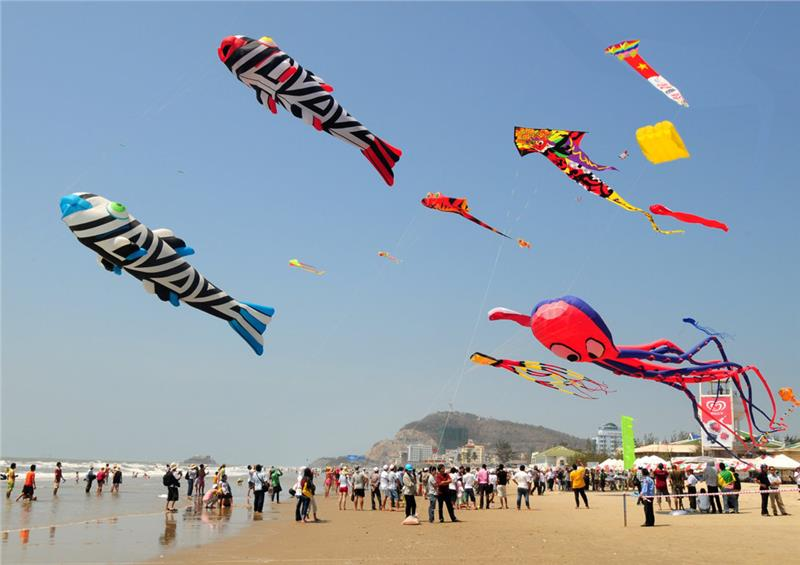 Featured shows at Vung Tau International Kite Festival 2015